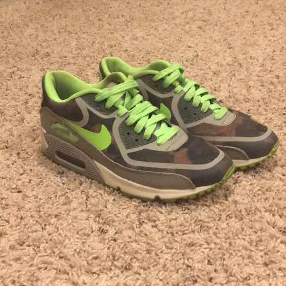 Women's Nike Air Max 90 Size 6.5 Neon GreenCamo